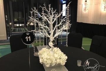 5-Crown-Centrepiece-Manz-tree