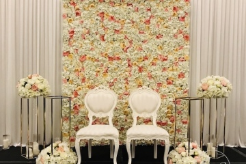 7-Bride-Groom-Stage-with-flower-wall