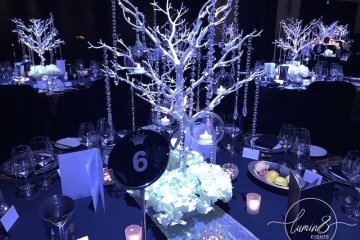 8-Crown-Table-Centrepieces